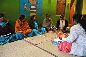 Arranca el proyecto de alfabetización para adultos en Varanasi