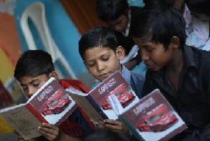 """Manish Sisodia, ministro de educación: """"La educación en India imparte conocimientos, pero no confianza"""""""