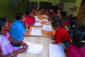 Las mujeres mejoran su autoestima tras 3 meses en el proyecto de alfabetización