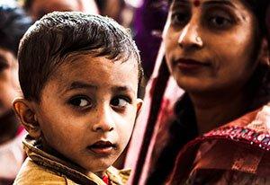 La exposición fotográfica 'India' en Bilbao apoya el proyecto educativo de Semilla