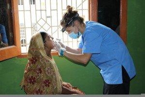 """""""Más de un paciente se negaba a que le extrajera un diente porque creía que le provocaría ceguera"""""""
