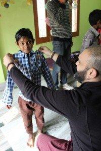 Los niños y niñas del programa educativo estrenan ropa