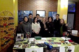 El grupo de voluntarios de Euskadi recauda fondos para Educación en un baile solidario organizado por la Asociación Euskalsalsa