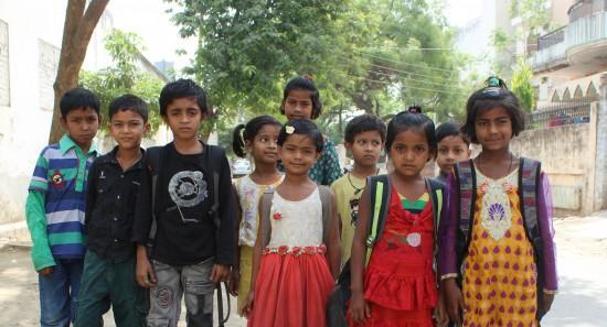 Nuevo grupo de niños y niñas escolarizados por Semilla, en Sigra