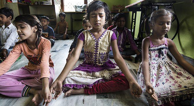 Semilla pone en marcha la iniciativa «Yoga para el Cambio», una acción colectiva para unir yoga y cooperación