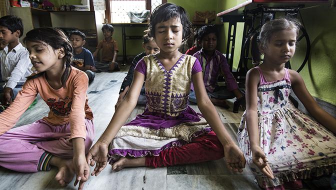 """Semilla pone en marcha la iniciativa """"Yoga para el Cambio"""", una acción colectiva para unir yoga y cooperación"""