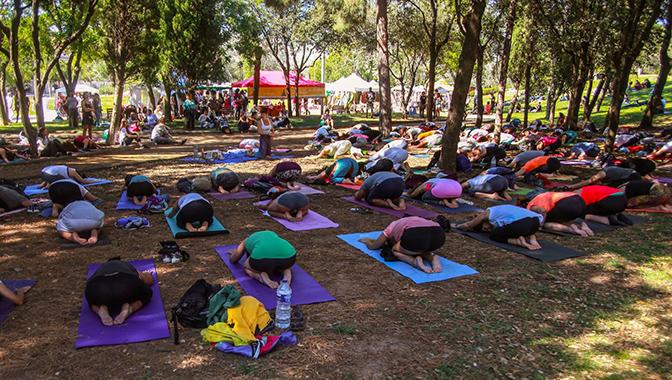 Semilla para el Cambio participa en el Barcelona Yoga Day
