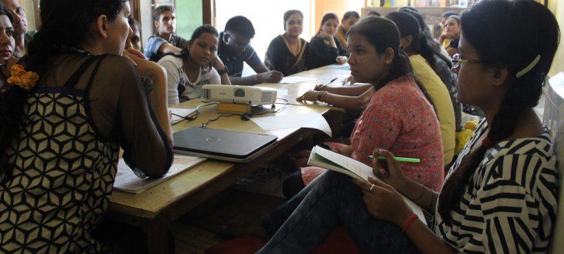 El profesorado de Semilla aprende nuevas técnicas de lecto-escritura para aplicar en el aula