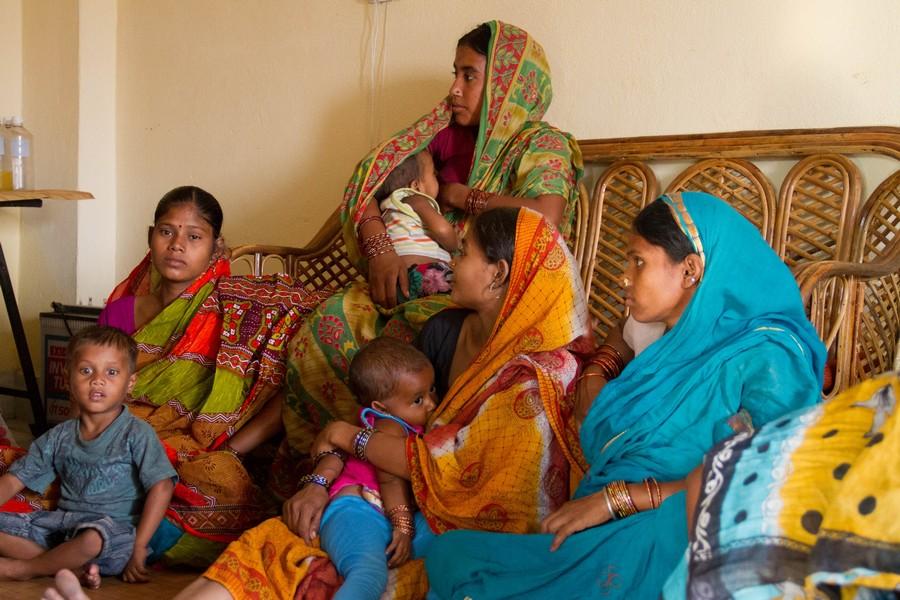 Mujeres de los slums de India- Promoción de salud - semilla parte el cambio