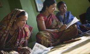 Alfabetización mujer en India - joaquin vergara 5M6A1691