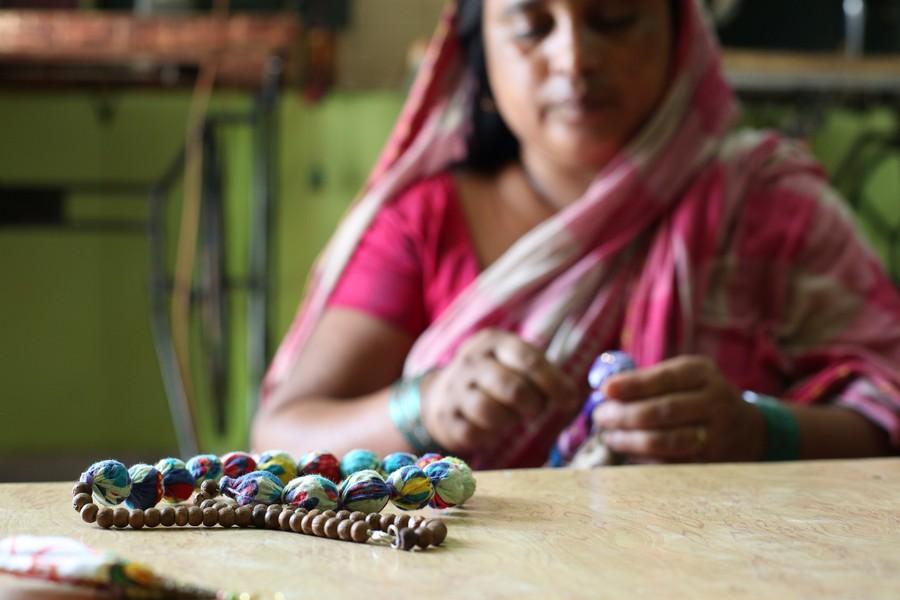 Regalos solidarios - Taller de artesanía -Semilla para el cambio