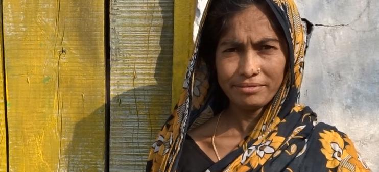 """Hasina: """"Mi marido empezó a beber y nos arrastró a una terrible situación financiera"""""""