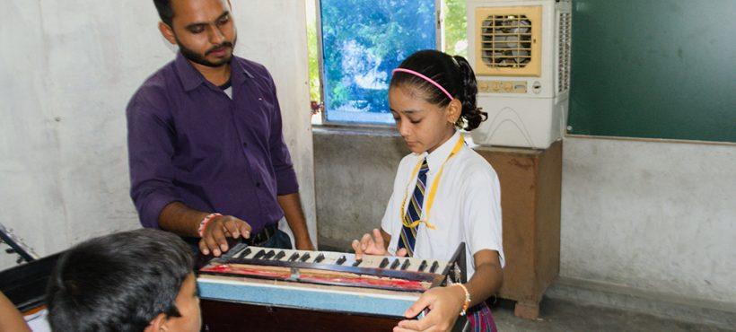Un nuevo colegio con música, danza y kárate