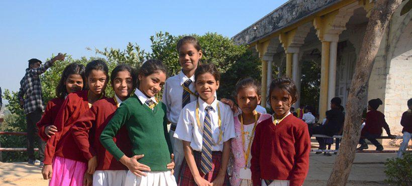 Los estudiantes de Sigra visitan el Fuerte Chunar con el colegio