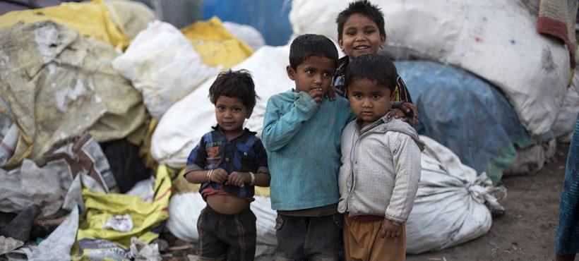 La pobreza extrema, un problema que afecta al 30% de la infancia en India