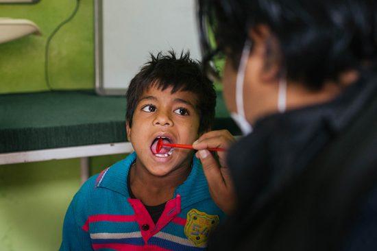 Revisión dental -slums - Semilla para el cambio
