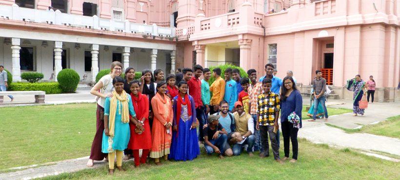 Los estudiantes del centro de Sigra visitan la Banaras Hindu University