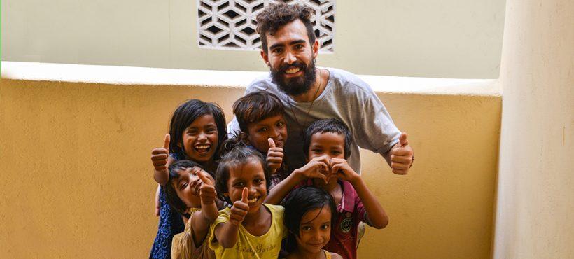 """""""Una de mis máximas metas como voluntario era hacer que los niños y niñas se divirtieran jugando. Infancia solo hay una"""""""