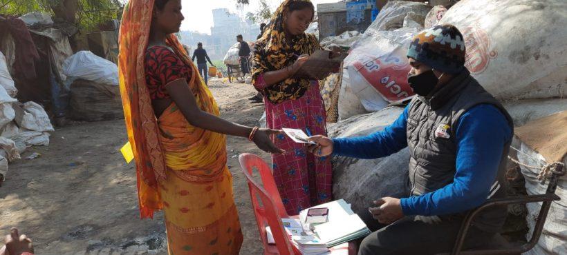 El ahorro vuelve a tomar fuerza entre las familias de los slums