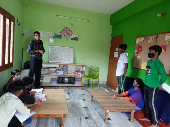 Alumnos/as en clase - Semilla para el Cambio